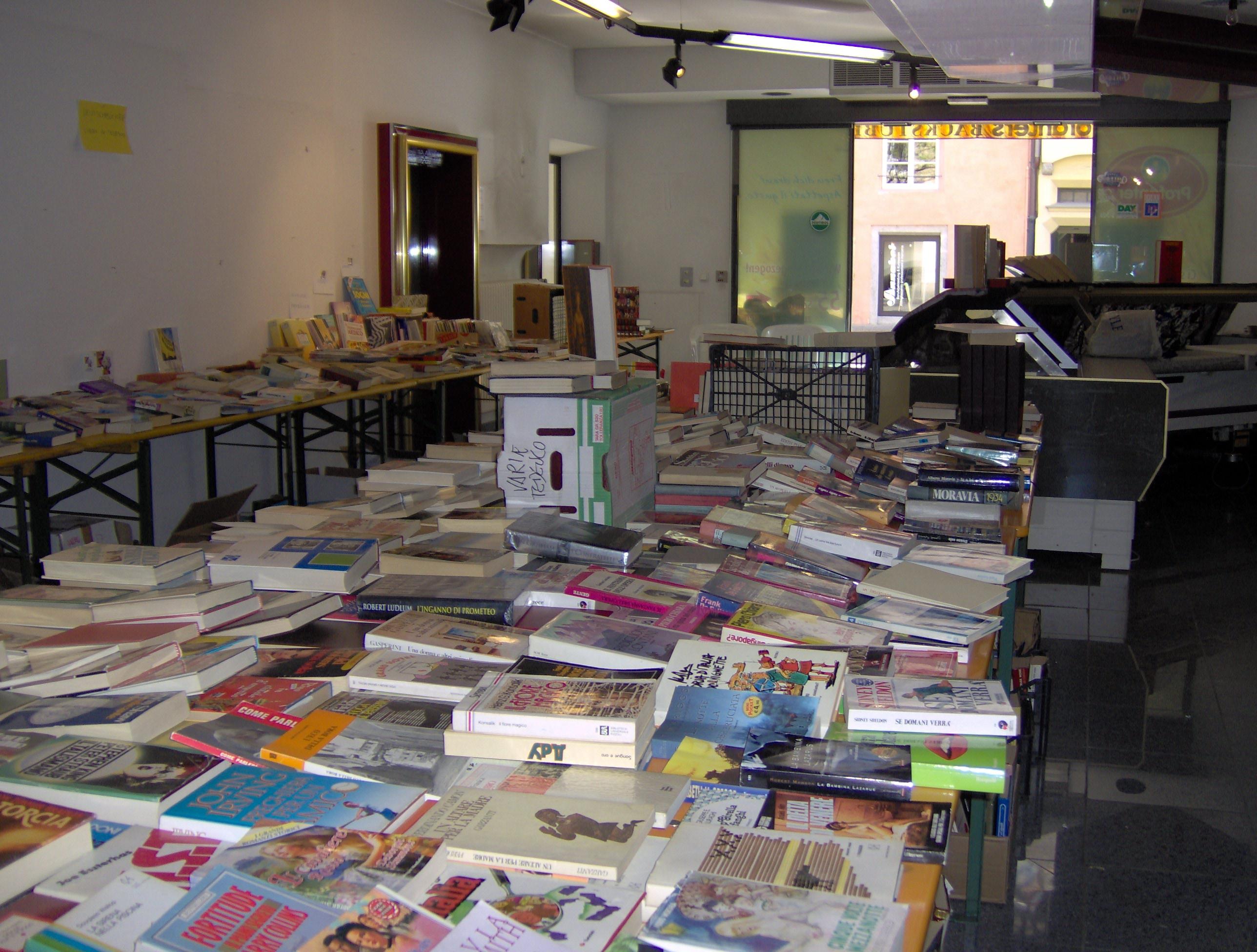 2007 Mercatino libri