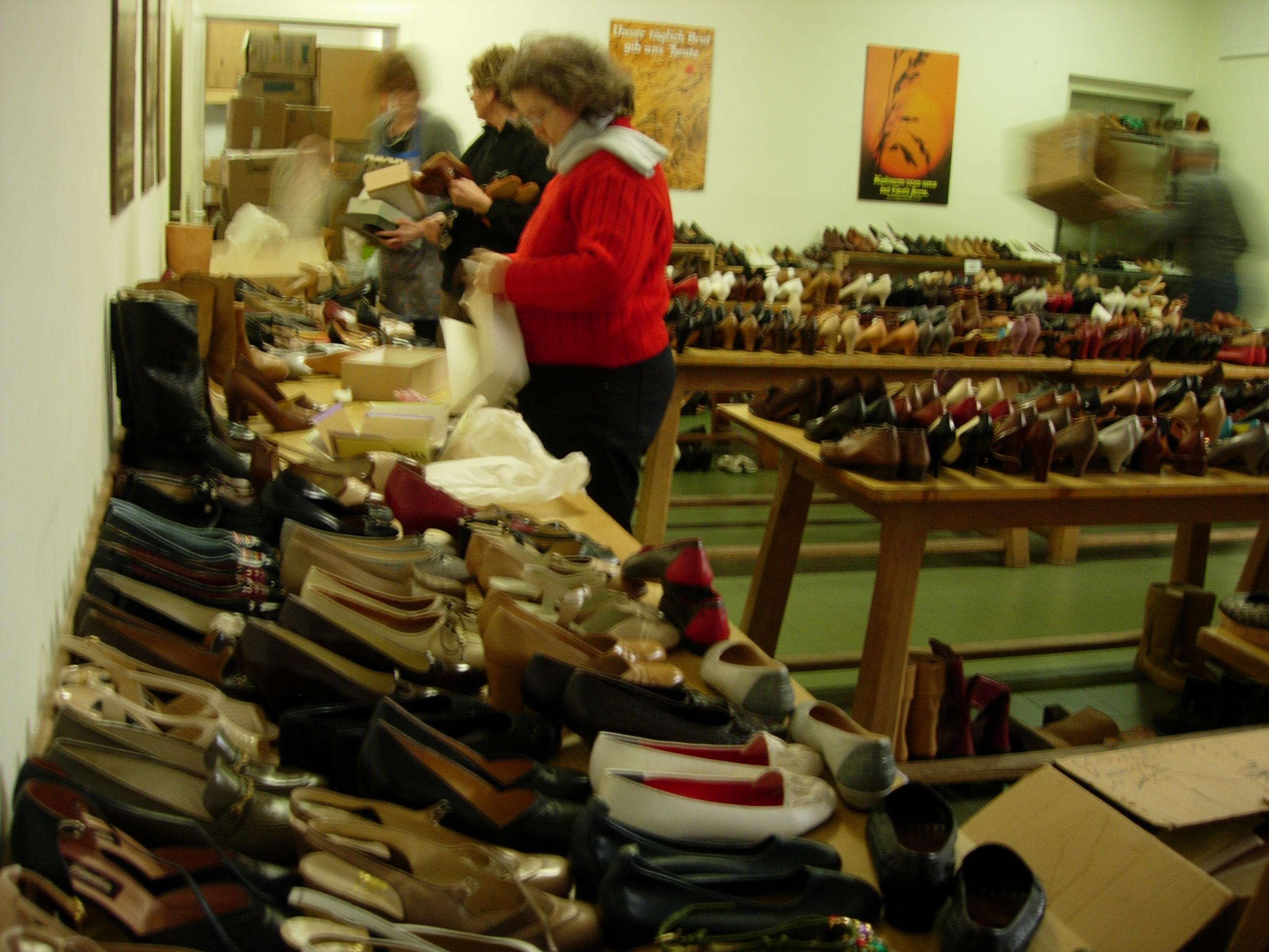 2014mercatino scarpe